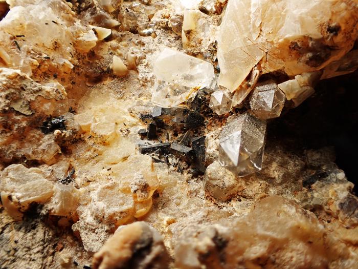 奈良県天川村産 水晶、珪灰鉄鉱&方解石 (Quartz, Ilvaite & Calcite / Japan)-photo15