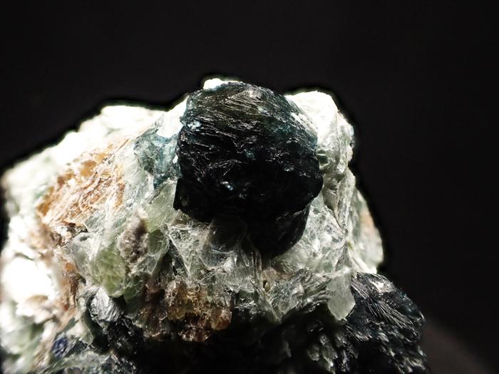アフガニスタン産ドラバイト−ウバイト&サファイア (Dravite-Uvite & Sapphire / Afghanistan)-photo11