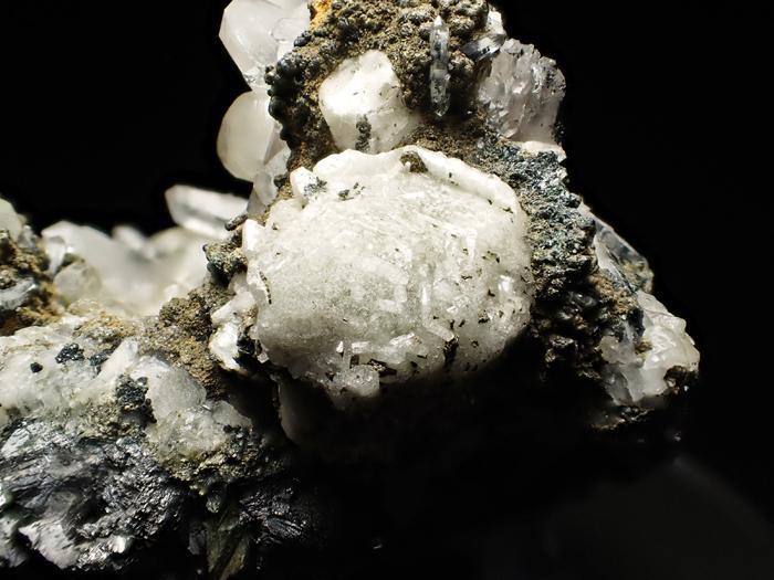 アゼルバイジャン産クローアパタイト、クォーツ、カルサイト&マグネタイト (Chlorapatite, Quartz, Calcite & Magnetite / Azerbaijan)-photo27