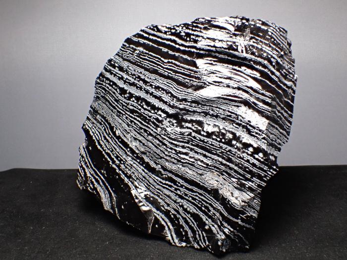 長野県和田峠産 黒曜石 (Obsidian / Japan)-photo1