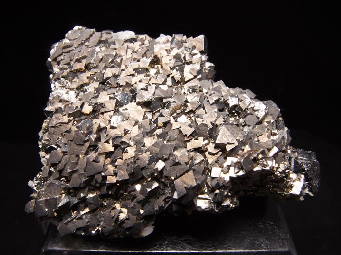 コソボ産アーセノパイライト、シデライト&カルサイト (Arsenopyrite, Siderite & Calcite / Kosovo)-photo0