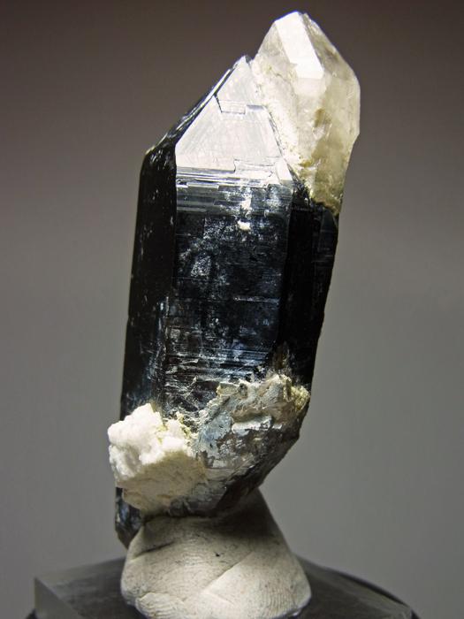 岐阜県鳶岩巣産 黒水晶&玉滴石 (Morion & Hyalite / Japan)-photo2
