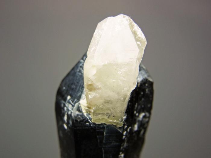 岐阜県鳶岩巣産 黒水晶&玉滴石 (Morion & Hyalite / Japan)-photo9