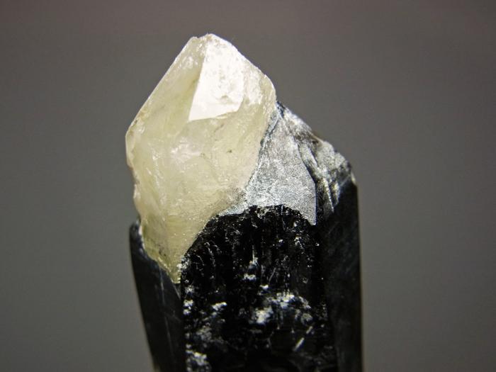 岐阜県鳶岩巣産 黒水晶&玉滴石 (Morion & Hyalite / Japan)-photo10