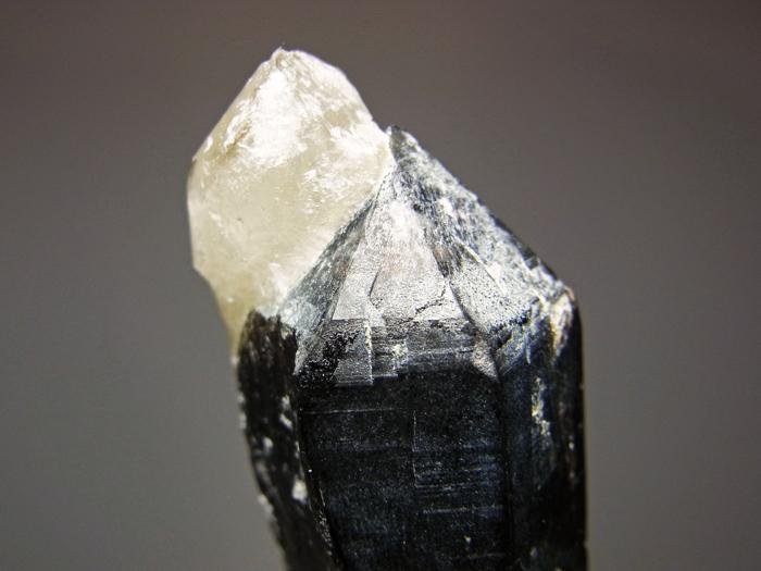 岐阜県鳶岩巣産 黒水晶&玉滴石 (Morion & Hyalite / Japan)-photo11