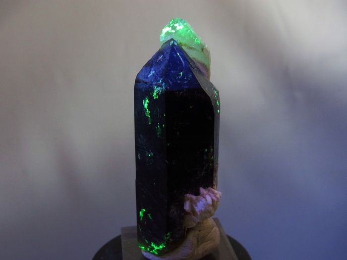岐阜県鳶岩巣産 黒水晶&玉滴石 (Morion & Hyalite / Japan)-photo25