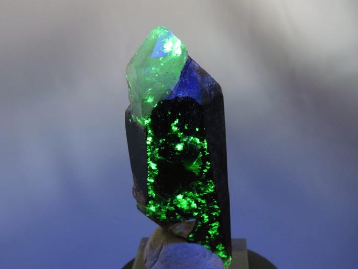 岐阜県鳶岩巣産 黒水晶&玉滴石 (Morion & Hyalite / Japan)-photo26
