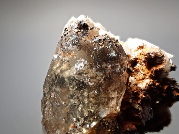 マラウイ産スモーキークォーツ、リーベカイト&シデライト仮晶 (Smoky Quartz, Riebeckite & Goethite after Siderite / Malawi)-photo10