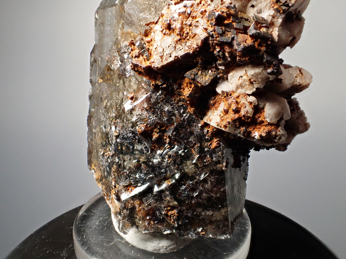 マラウイ産スモーキークォーツ、リーベカイト&シデライト仮晶 (Smoky Quartz, Riebeckite & Goethite after Siderite / Malawi)-photo11