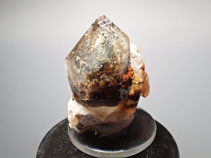 マラウイ産スモーキークォーツ、リーベカイト&シデライト仮晶 (Smoky Quartz, Riebeckite & Goethite after Siderite / Malawi)-photo2