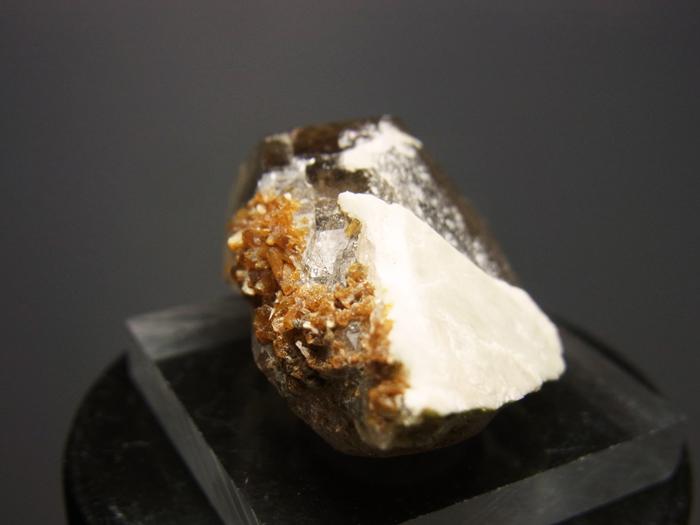 ポーランド産スモーキークォーツ、ベイブナイト&スティルバイト (Smoky Quartz, Bavenite & Stilbite)-photo2