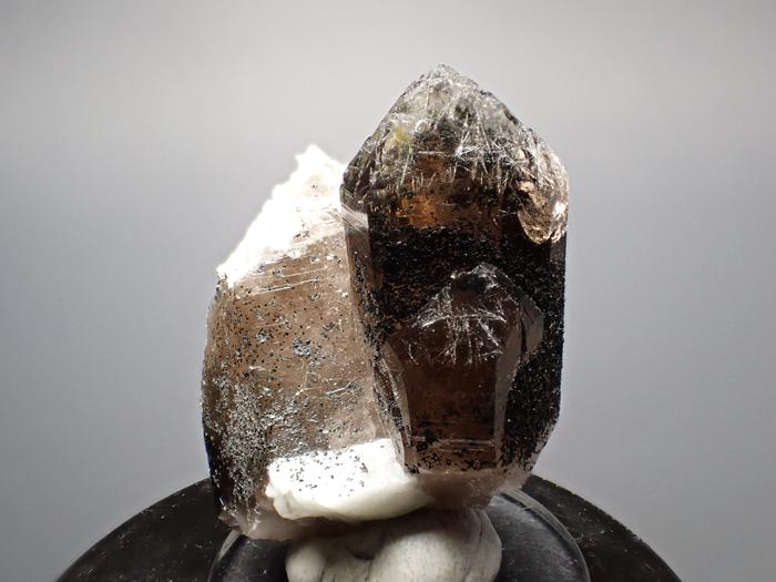 ポーランド産スモーキークォーツ、ベイブナイト&スチェゴマイト (Smoky Quartz, Bavenite & Strzegomite / Poland)-photo0
