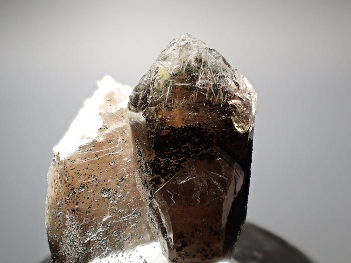 ポーランド産スモーキークォーツ、ベイブナイト&スチェゴマイト (Smoky Quartz, Bavenite & Strzegomite / Poland)-photo6